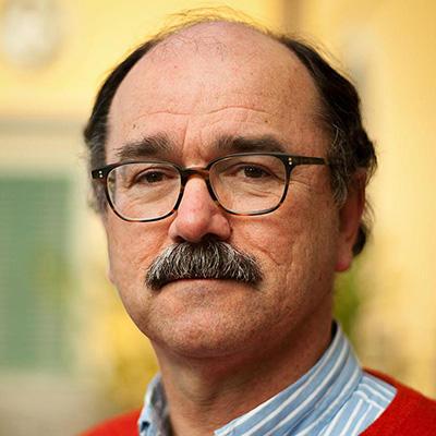 Portrait picture of Professor Bernard Hoekman