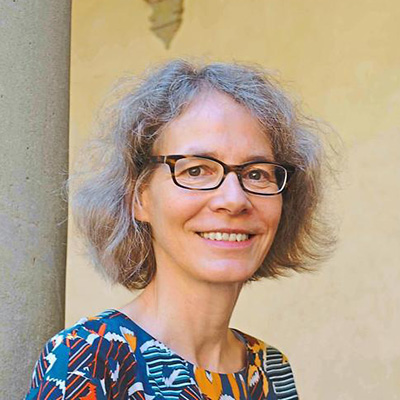 Portrait picture of Professor Dorothee Bohle