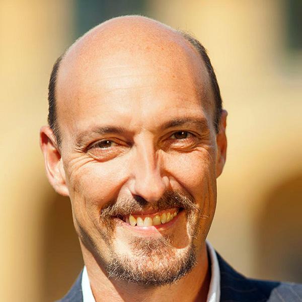Portrait picture of Professor Simone Borghesi